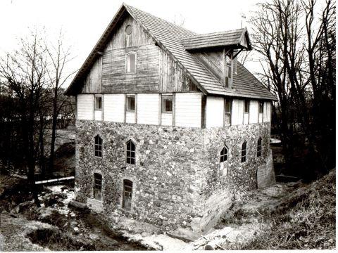 Popieriaus dirbtuvės. Nuotrauka iš Prienų krašto muziejaus archyvo.